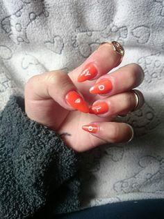 Y.O.L.O.  #my #nails #orange #simple