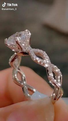 Cute Rings, Pretty Rings, Unique Rings, Big Wedding Rings, Beautiful Wedding Rings, Most Beautiful Engagement Rings, Wedding Ring Designs, Dream Wedding, Wedding Ideas