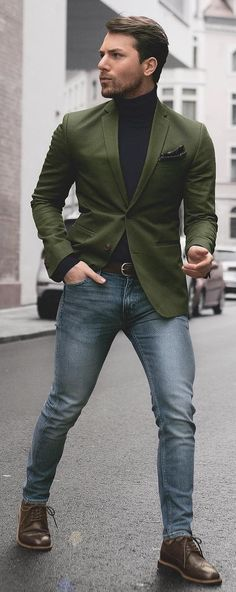 20 Dope Black T-shirt Outfit Ideas For Men To Try Right Now Black t-shirt is one of the basic fashion piece in every men's wardrobe. Here are 20 trendy Black t-shirt outfit ideas for men to get cool looks easily. Blazer Outfits Men, Shirt Outfit, Casual Outfits, T Shirt, Outfit Work, Stylish Men, Men Casual, Outfit Stile, Mode Man