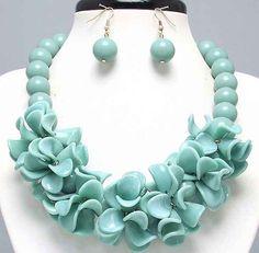 Chunky Gold Tone Turquoise Acrylic Coral Statement Jewelry Bib Necklace Set