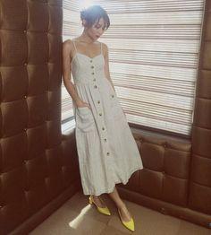 Kathryn Bernardo Outfits, Filipina Actress, Celebs, Celebrities, Girl Photography, Pretty Outfits, Dress Skirt, Fashion Models, Celebrity Style
