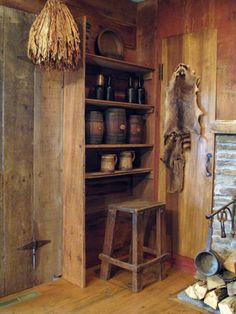 Wilderness Cabin / Raccoon skin and all. Primitive Cabinets, Primitive Kitchen, Primitive Furniture, Country Primitive, Prim Decor, Country Decor, Primitive Decor, Old Cottage, Cottage Style