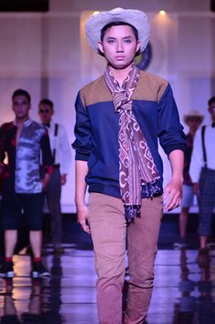 Fashion project men's wear, he wears my homemade jacket, combined with knit scarves, thanks to my model Rian :D at Diverchilago Fashion Show