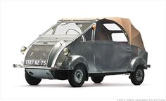 1957 Voisin Biscooter - Microcars worth big bucks at museum auction - CNNMoney Strange Cars, Weird Cars, Microcar, Smart Car, Unique Cars, Cute Cars, Car Humor, Cars And Motorcycles, Vintage Cars