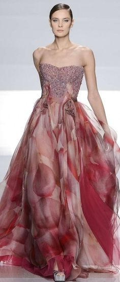 Tony Ward ~Latest Luxurious Women's Fashion - Haute Couture - dresses, jackets. bags, jewellery, shoes etc