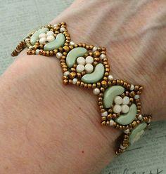 Linda's Crafty Inspirations: Bracelet of the Day: Fina Bracelet - Mint Green & Ivory