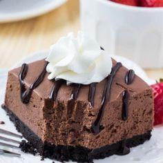 No Bake Chocolate Cheesecake {Simple & Delicious} | Lil' Luna No Bake Chocolate Cheesecake, Cheesecake Bars, Simple Cheesecake, No Bake Desserts, Dessert Recipes, Bar Recipes, Health Desserts, Cheese Recipes, Dessert Ideas