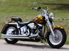 Contains description and photos of 1993 Harley Fat Boy Softail motorcycle by SouthEast Custom Cycles. Harley Davidson Custom Bike, Harley Davidson Museum, Classic Harley Davidson, Used Harley Davidson, Harley Panhead, Harley Davidson Knucklehead, Harley Davidson Motorcycles, Dyna Super Glide Sport, Hd Motorcycles