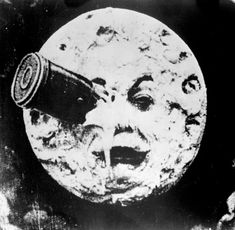 """""""Le voyage dans la lune"""" / A Trip to the Moon, Written and directed by Georges Méliès. It is FANTASTIC! Did you see """"Hugo Cabret? Films Récents, Hugo Cabret, Non Plus Ultra, Paper Moon, Lomography, Silent Film, Film Stills, Visual Effects, Great Movies"""