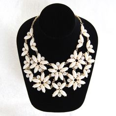 ♦️SALE♦️Flower Bib Necklace This stunning necklace is both elegant and classy. Can be worn with casual and dressy outfits. Worn a few times. Excellent condition. Charter Club Jewelry Necklaces