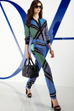 Diane von Furstenberg Resort 2014 Proof that matchy-matchy looks just fine – in fact, it looks impeccable.Photo courtesy of Diane von Furstenberg Fashion 2018, Runway Fashion, Fashion Models, High Fashion, Fashion Show, Fashion Looks, Fashion Design, Fashion Trends, Fashion Tape