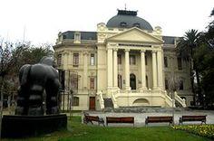 Museo de Arte Contemporáneo, sede Parque Forestal Mansions, Academia, House Styles, Home Decor, Art Museum, Contemporary Art, Santiago, Fine Art, Places To Visit