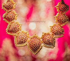 How To Clean Gold Jewelry With Vinegar Indian Wedding Jewelry, Bridal Jewelry, Tanishq Jewellery, Pearl Necklace Designs, Gold Necklace, Rose Gold Jewelry, Butterfly Jewelry, India Jewelry, Gold Jewellery Design