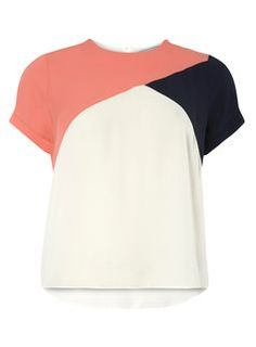 56 ideas sewing patterns tops women tee shirts for 2019 Petite T Shirts, Petite Tops, Blouse Styles, Blouse Designs, Sewing Clothes Women, Color Blocking, Colour Block, Top Pattern, Corsage