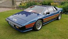 This was the genesis of the turbocharged Lotus Esprit: the oh-so Lotus Essex Turbo Esprit. - Mick l Wikipedia Pictures Of Sports Cars, Car Pictures, Car Photos, Classic Cars British, Lotus Car, Lotus Auto, Lotus Esprit, Turbo Car, Bond Cars