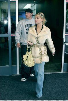 Nick Lachey and Jessica Simpson.