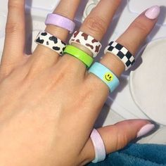 Diy Clay Rings, Chunky Rings, Cartier Love Bracelet, Clay Crafts, Polymer Clay, Bangles, Homemade, Ceramics, Clay Ideas