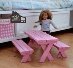 Here's 20 American Girl DIY Ideas that you'll be sure to love. Do your kids have an American Girl Doll? My oldest daughter received her first American Girl American Girl Furniture, Girls Furniture, Diy Furniture Plans, Barbie Furniture, Dollhouse Furniture, Camping Furniture, Trendy Furniture, Furniture Dolly, Ikea Furniture