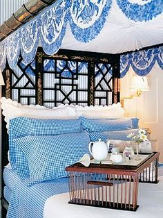 beautiful blue and white bedroom...Carolyn Roehm