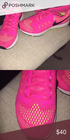 Nike running shoes Pink nike zoom running shoes only worn a few times in excellent condition Nike Shoes Sneakers