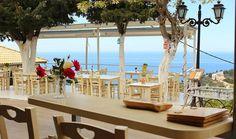 ArtTable   Λευκάδα: Τα καλύτερα τραπέζια της Table Decorations, Furniture, Home Decor, Patio, Greek, Decoration Home, Room Decor, Home Furnishings, Home Interior Design