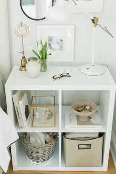 Use Ikea's Kallax (Expedit) Shelf As A Nightstand - 14 Easy and Cheap DIY Nightstand Ideas for Your Bedroom Decorate My Room, Expedit Regal, Kallax Shelf Unit, Small Space Bedroom, Small Rooms, Ikea Small Spaces, Diy Nightstand, Small Space Storage, Bedroom Storage Ideas For Small Spaces