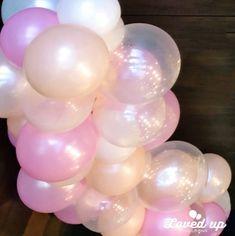大人気!たくさんの風船の束!モコモコ雲状バルーンのフォトスポット バルーンデコレーション専門サービス Loved up balloons