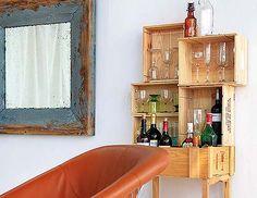 Un mueble bar original. Con unas cajas de madera y en una tarde podrás hacerte un original mueble bar.