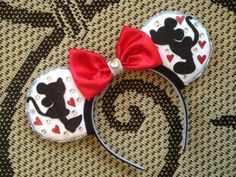 Magic Mouse Ears Kissing Mice by MakesYouSmile101 on Etsy