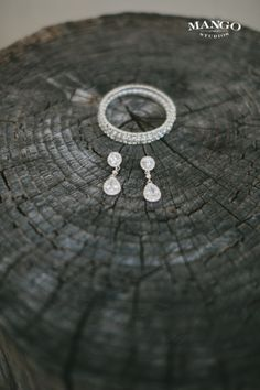 #earrings #bracelet #jewellery #weddingideas #wedding #bling #sparkle #accessories #mangostudios Photography by Mango Studios