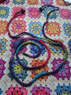 Knit Nottingham: Kirsty's Earphones - free crochet pattern.
