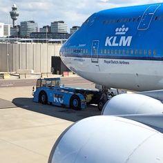 regram @ecaviation ➖➖➖➖➖➖➖➖➖➖➖➖➖➖➖➖➖ Airline: @klm ✈️ Airplane: B747-400 Location: Amsterdam (AMS) Photographer: @cityinsight ➖➖➖➖➖➖➖➖➖➖➖➖➖➖➖➖➖ #ECaviation #instaplane #instaaviation #instagramaviation #justaviation #pilot #pilotlife #avgeek #avporn #aviationlovers #megaplane #spotting #airplane #aircraft #planespotter #spotter #boeing #boeinglovers #boeing747 #b747 #747 #engine #takeoff #queen #landing #aviation #amsterdam #klm #instagood #airport