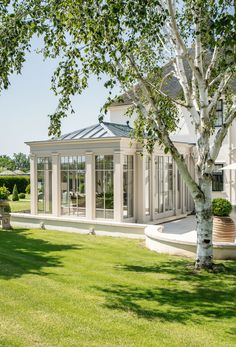 Bespoke Orangery with Full Length Glazed Panels allow the owners to enjoy panoramic views of their beautiful garden. Garden Buildings, Garden Architecture, Loft Design, House Design, Design Design, All Season Porch, Conservatory Kitchen, Babington House, Georgian Style Homes