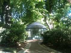 butte chaumonts parc in paris | TRAVEL / Paris | Pinterest ...