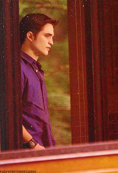 Edward Cullen - Breaking Dawn Part 1 Twilight Saga New Moon, Twilight Saga Series, Twilight Edward, Twilight Breaking Dawn, Edward Bella, Twilight Movie, Vampire Twilight, Edward Cullen Robert Pattinson, Robert Douglas