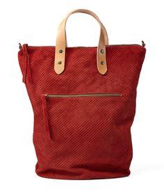 Sac cabas en cuir rouge / Cross Body Bag / sac de voyage / sac de week-end / chaque bourse de jour / au-dessus de la sac de taille / Sac sac / rayé Texture sac - Puma par EllenRubenBagsShoes sur Etsy https://www.etsy.com/fr/listing/193304403/sac-cabas-en-cuir-rouge-cross-body-bag