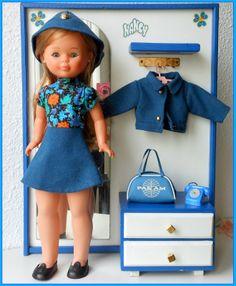 Itzi...con Nancys Vintage Dolls, Retro Vintage, Nancy Doll, Pram Toys, Spanish Girls, Barbie, Old Toys, Paper Dolls, American Girl