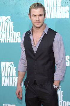 Chris Hemsworth-Glamour's Fan Voted Top 20 Sexiest Men of 2012 | SHOWBIZ -Celebrity News