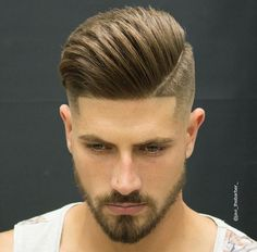 Mens Hairstyles for Straight Hair – Pompadour A brand new year brings … Mens Hairstyles for Straight Hair – Pompadour A brand new year brings it with new mens haircuts that are going to be trending this year. If you are planning to give New Mens Haircuts, Popular Mens Hairstyles, Cool Hairstyles For Men, Trending Haircuts, Straight Hairstyles, Classic Hairstyles, Modern Hairstyles, Modern Haircuts, Undercut Hairstyles