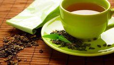Os benefícios de beber chá diariamente  Praticamente todo mundo consome chá. Desfrutamos do prazer de sentar um momento em uma poltrona para desfrutar os deliciosos aromas e sabores da bebida especialmente em um dia de frio.  Mas além do prazer que nos causa existem muitas outras razões para tomar café já que é um poderoso agente de saúde. Vejamos as vantagens que ele proporciona.  POR QUE É BOA ESTA BEBIDA  Se mantém hidratada: se você beber chá pela manhã você estará dando ao seu corpo uma…