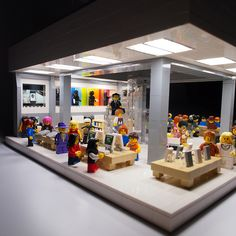 New York's 5th Ave Flagship Apple Store... In LEGO.