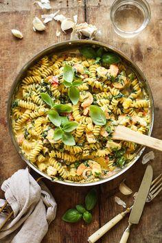 Scampi, Paella, Ethnic Recipes, Food, Spinach, Essen, Meals, Yemek, Eten