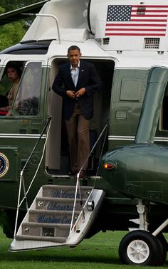 US President Barack Obama disembarks from Marine One at the White House in Washington on May 5, 2012