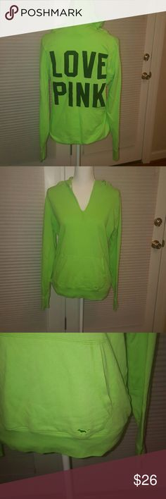 Very soft and warm. Fleece Hoodie, Pullover, Victoria Secret Bags, Hoodies, Sweatshirts, Fashion Design, Fashion Tips, Fashion Trends, Pink Ladies