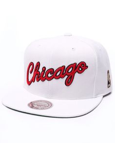 0e655e2460f Mitchell   Ness - Chicago Bulls Solid 2 Snapback Cap Ball Caps