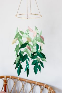 How to make a Paper Leaf Mobile, by Clever Poppy — Clever Poppy DIY Paper Leaf Mobile Mobil Origami, Origami Mobile, Paper Mobile, Diy Mobile, Mobile Art, Make A Mobile, Hanging Mobile, Poppy Craft For Kids, Crafts For Kids