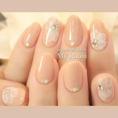 instagram → yukachisoやっぱり人気のベージュのたらしこみフラワーネイル♪ #nailart #nails #ネイルアート #ジェルネイル #ネイル #フラワーネイル...|ネイルデザインを探すならネイル数No.1のネイルブック