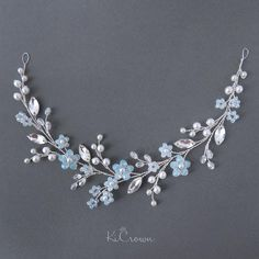 Hottest Photos Bridal Headpiece blue Ideas Bridal locks gadgets usually are a significant portion of the ideal wedding and reception look of yo Bridal Hair Ornaments, Hair Brooch, Bridal Hair Vine, Bridesmaid Jewelry Sets, Hair Beads, Wedding Hair Pieces, Silver Hair, Bridal Headpieces, Wedding Jewelry