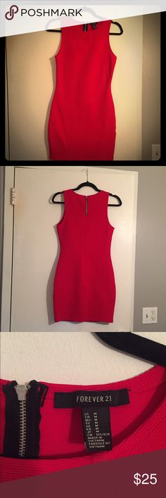 Red Dress 💃🏻 Great for a night out! This dress fits true to size! Never worn! Size medium. Material is stretchy and forgiving. Very comfortable and cute! Forever 21 Dresses Midi