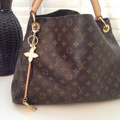 Buy Discount #Louis #Vuitton #Handbags From Here, New Ideas For This Summer Inspire You, The Price Of LV Top Handles Is Acceptable To Our Customers.